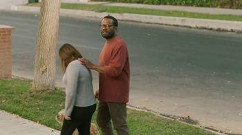 Sling TV Spot, 'Statue: Roku' Featuring Nick Offerman, Megan Mullally - Thumbnail 6