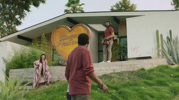 Sling TV Spot, 'Statue' Featuring Nick Offerman, Megan Mullally - Thumbnail 4