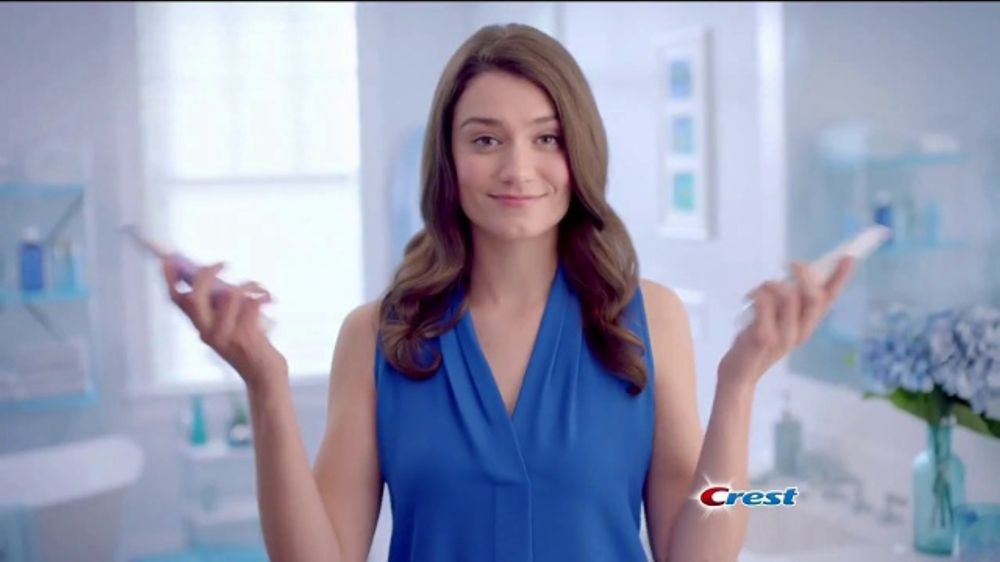 Crest 3D Whitening Therapy TV Commercial, 'Whitens and Protects: Coupon'