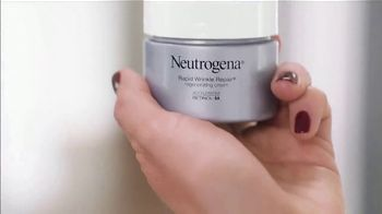 Neutrogena Rapid Wrinkle Repair TV Spot, 'One Week' Featuring Jennifer Garner - Thumbnail 9