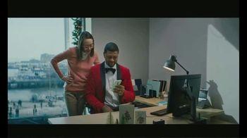 eBay TV Spot, 'ESPN: Secret Santa Training' Featuring Jalen Rose - Thumbnail 9
