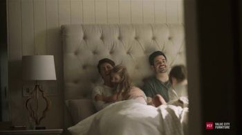 Value City Furniture TV Spot, 'Hurry in: Great Moments' - Thumbnail 9