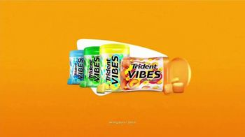 Trident Vibes Tropical Beat VIBES TV Spot, 'Smooth Beat' - Thumbnail 10