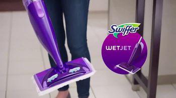 Swiffer WetJet TV Spot, 'Confesiones de limpieza con René' [Spanish] - Thumbnail 4
