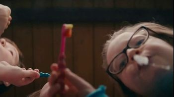Clorox Ultra Clean Disinfecting Wipes TV Spot, 'Five People, One Bathroom' - Thumbnail 1