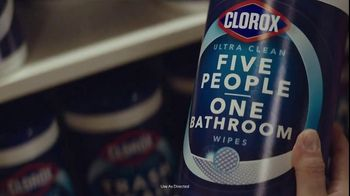 Clorox Ultra Clean Disinfecting Wipes TV Spot, 'Five People, One Bathroom' - Thumbnail 7