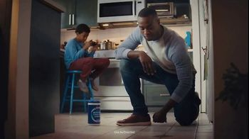 Clorox Ultra Clean Disinfecting Wipes TV Spot, 'Mystery Chicken Liquid'