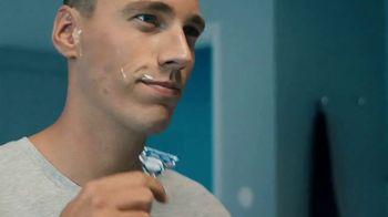 Gillette SkinGuard TV Spot, 'Protege tu cara' [Spanish] - Thumbnail 8