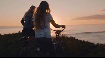 Visit Santa Cruz County TV Spot, 'Let's Cruz: Dream Inn' - Thumbnail 2