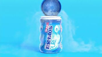 Mentos Pure Fresh Gum TV Spot, 'Small Talk: Man's Man' - Thumbnail 2