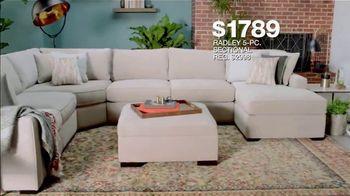 Macy's Presidents Day Sale TV Spot, 'Super Buys' - Thumbnail 5
