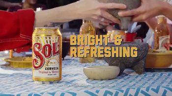 Cerveza Sol TV Spot, 'Bright' - Thumbnail 6