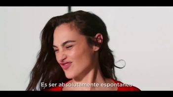 Revlon PhotoReady Candid TV Spot, 'Atrevidas' con Gal Gadot, Ashley Graham [Spanish] - Thumbnail 3