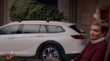 Buick TV Spot, 'Holiday Shopping Tips: Under the Tree' Song by Matt and Kim [T2] - Thumbnail 6
