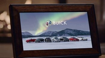 Buick TV Spot, 'Holiday Shopping Tips: Under the Tree' Song by Matt and Kim [T2] - Thumbnail 7