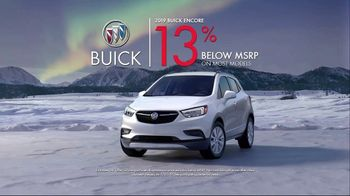 Buick TV Spot, 'Holiday Shopping Tips: Under the Tree' Song by Matt and Kim [T2] - Thumbnail 8
