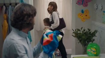 Gain Flings! TV Spot, 'The Russells' - Thumbnail 10