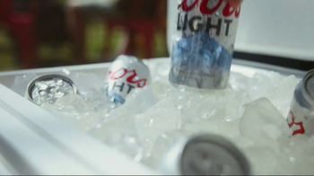 Coors Light TV Spot, 'Icy Swim' - Thumbnail 4