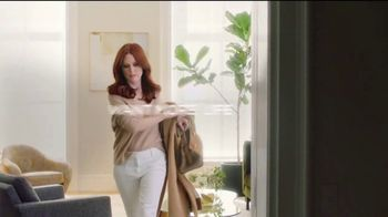 L'OreSuperior Preference Hair Color TV Spot, 'Women Who Want More' Featuring Julianne Moore - Thumbnail 4