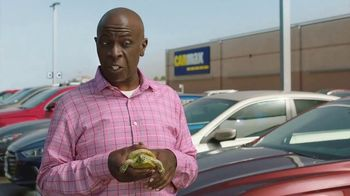 CarMax TV Spot, 'Turtle' Featuring Andy Daly, Gary Anthony Williams - Thumbnail 6