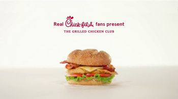 Chick-fil-A Grilled Chicken Club TV Spot, 'The Little Things: Jenna and Leslie' - Thumbnail 1