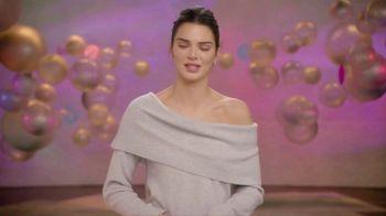 Proactiv MD TV Spot, 'Awards Show' Featuring Kendall Jenner - Thumbnail 10