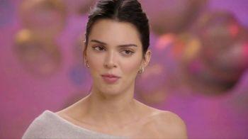Proactiv MD TV Spot, 'Awards Show' Featuring Kendall Jenner - Thumbnail 5