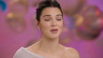 Proactiv MD TV Spot, 'Awards Show' Featuring Kendall Jenner - Thumbnail 6