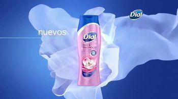 Dial Silk Moisture Body Wash TV Spot, 'Siempre lista' [Spanish] - Thumbnail 3