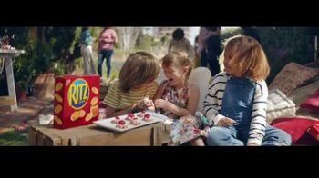 Ritz Crackers TV Spot, 'Red Carpet' canción de Steven Gutheinz [Spanish] - Thumbnail 5