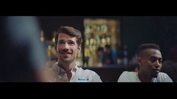 Head & Shoulders Smooth & Silky TV Spot, 'Headstrong: citas rápidas' canción de Campfire [Spanish] - Thumbnail 8