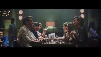 Head & Shoulders Smooth & Silky TV Spot, 'Headstrong: citas rápidas' canción de Campfire [Spanish] - Thumbnail 9