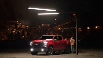 Chevrolet Silverado TV Spot, 'Spotlight' [T1]