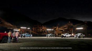 Chevrolet Silverado TV Spot, 'Spotlight' [T1] - Thumbnail 7