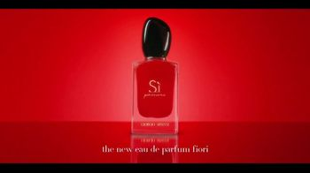 Giorgio Armani Si Passione TV Spot, 'Airport' Featuring Sara Sampaio, Song by Lesley Gore - Thumbnail 8
