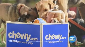 Chewy.com TV Spot, 'Talk in the Park: Chewy's Free Shipping'