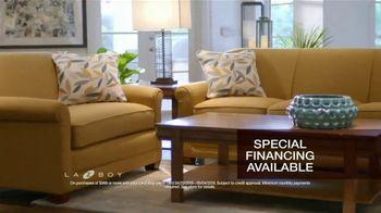La-Z-Boy 2 Great Chairs Event TV Spot, 'Perfect Harmony' - Thumbnail 6