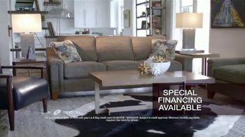 La-Z-Boy 2 Great Chairs Event TV Spot, 'Perfect Harmony' - Thumbnail 7