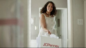 JCPenney Mother's Day Sale TV Spot, 'Go a Little Extra' Song by Redbone - Thumbnail 1