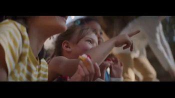 Ritz Crackers TV Spot, 'Red Carpet' - Thumbnail 9