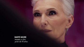 CoverGirl + Olay Simply Ageless Foundation TV Spot, 'A cierta edad' con Maye Musk [Spanish] - Thumbnail 5
