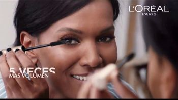 L'Oreal Paris Voluminous Original Mascara TV Spot, 'El poder' canción de Neneh Cherry [Spanish] - Thumbnail 6