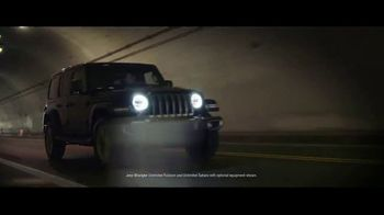 Jeep Freedom Days TV Spot, 'Legends Are Made' Featuring Tony Hawk, Song by The Kills [T2] - Thumbnail 5