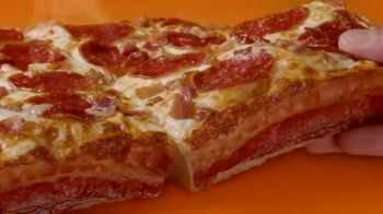 Little Caesars Bacon Wrapped DEEP!DEEP! Dish Pizza TV Spot, 'Daym Drops: Oh Baby!' Featuring Daymon Patterson - Thumbnail 6