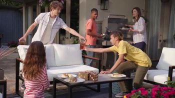 The Home Depot TV Spot, 'El patio nuevo' [Spanish] - Thumbnail 8