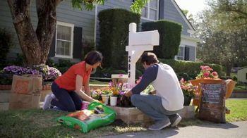 The Home Depot TV Spot, 'Todo el vecindario se ve bien' [Spanish] - Thumbnail 4