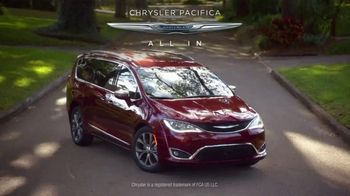 Chrysler Spring Sales Event TV Spot, 'Great Deal for the Family' [T2] - Thumbnail 6