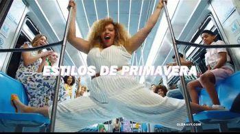 Old Navy TV Spot, 'Indetenibles estilos de primavera: 50 por ciento en toda tu compra' [Spanish] - Thumbnail 4