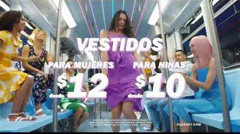 Old Navy TV Spot, 'Indetenibles estilos de primavera: 50 por ciento en toda tu compra' [Spanish] - Thumbnail 8