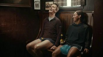 Marathon Brewing Company 26.2 Brew TV Spot, 'Ice Pack' Featuring Desiree Linden - Thumbnail 9